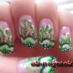 Салатовый цветок акриловыми красками
